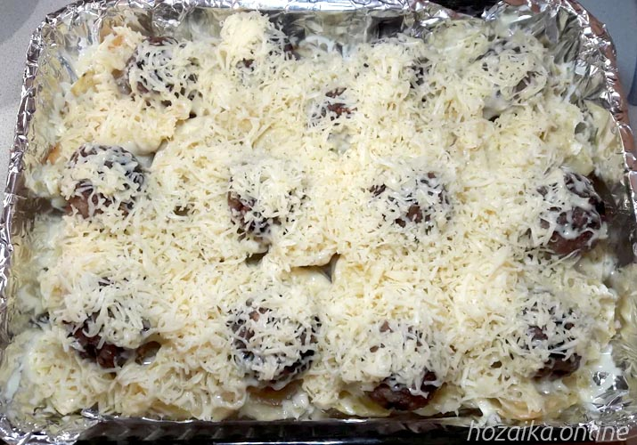 картофель с тефтелями в духовке под сыром
