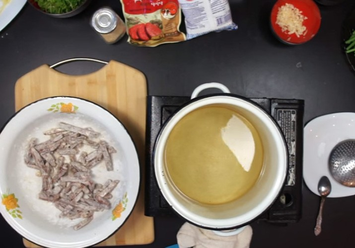 стрелки чеснока с мясом по-китайски
