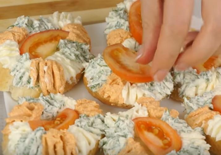 Кучерявые бутерброды с творогом