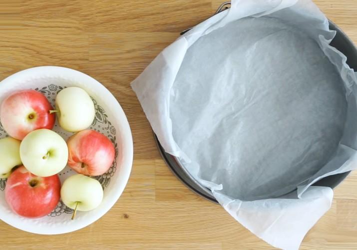 klassicheskij-recept-sharlotki-s-jablokami-v-duhovke