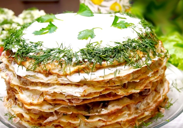 blinnyj-tort-s-kuricej