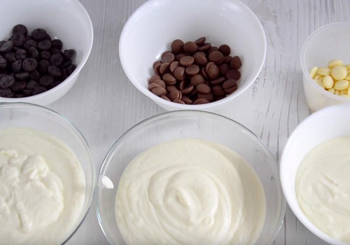 творожная масса в трех тарелках