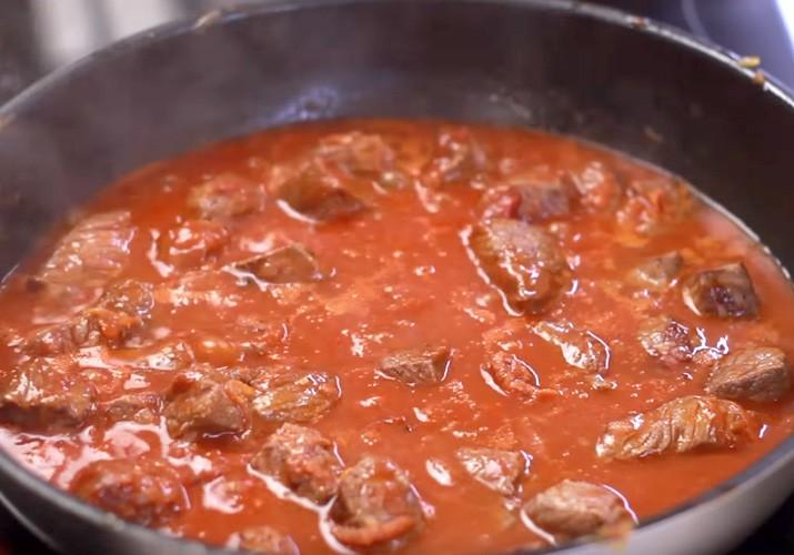 мясо говядина в томатной подливке