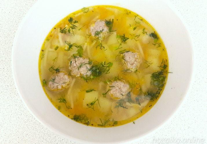суп с фрикадельками и вермишелью в мультиварке