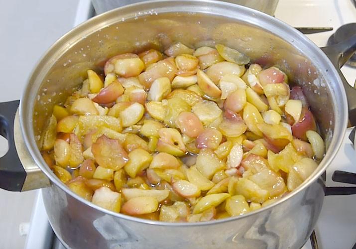 варим варенье из яблок ломтиками