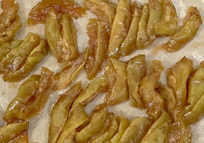 запеченные яблочные дольки