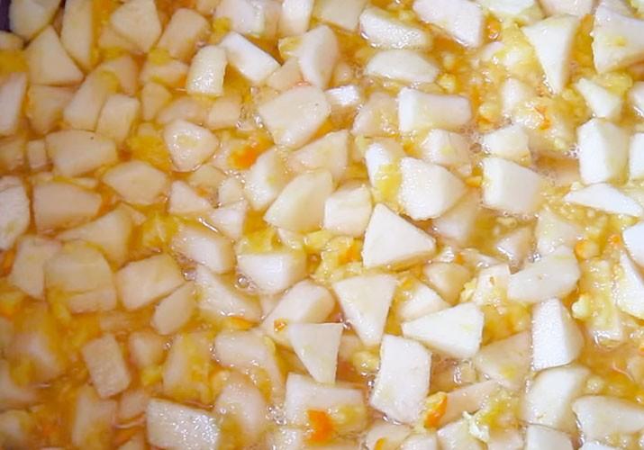 варим варенье из яблок и апельсина