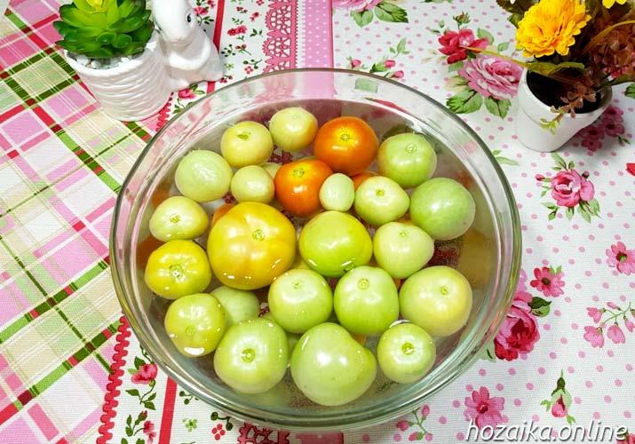 отмачивание зеленых томатов в соленой воде