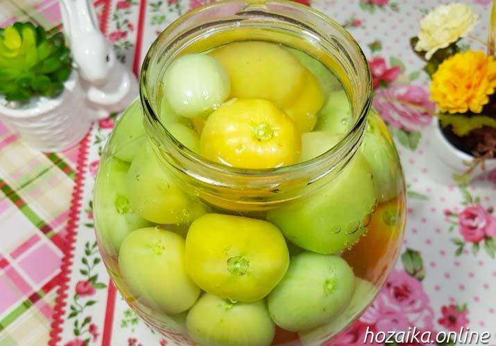 первая заливка зеленых томатов