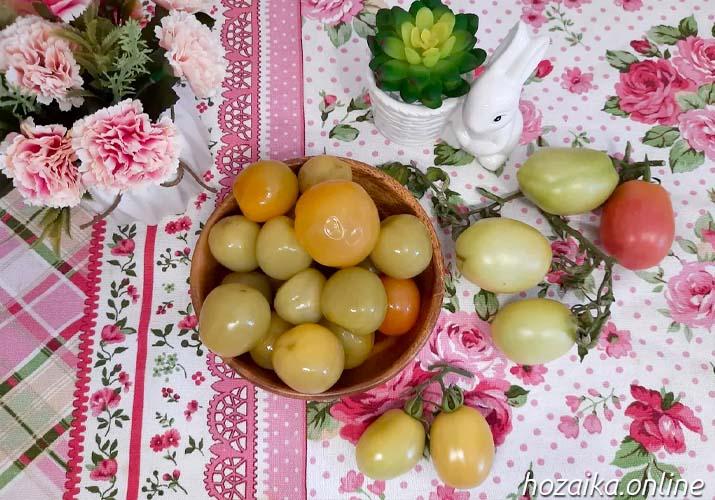 зеленые помидоры в миске