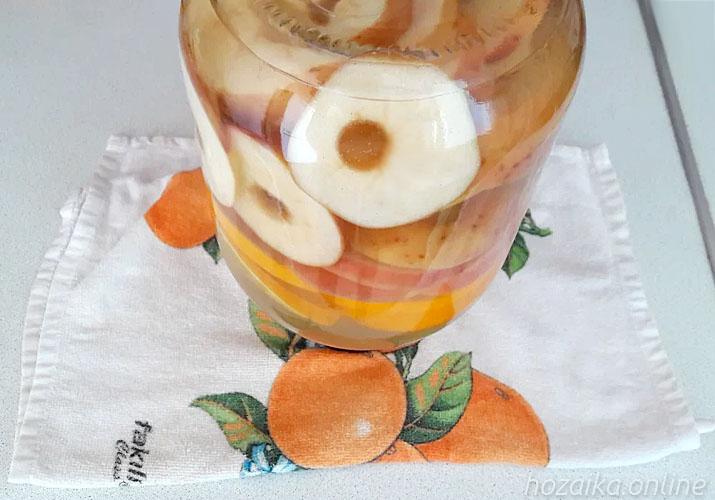 компот из яблок с апельсинами в банке