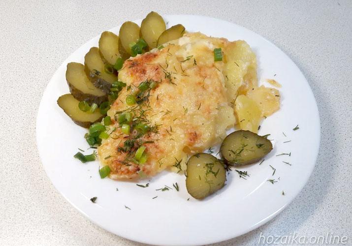 мясо по-французски с куриным филе и картошкой