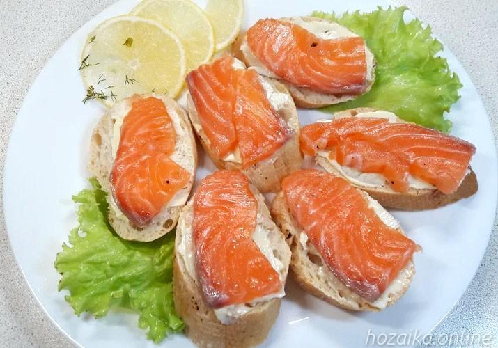 бутерброды из красной рыбы с маслом