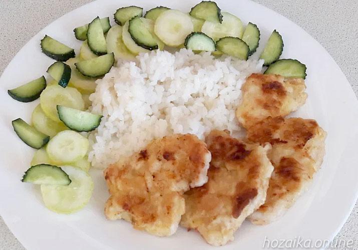 куриные отбивные в кляре с рисом
