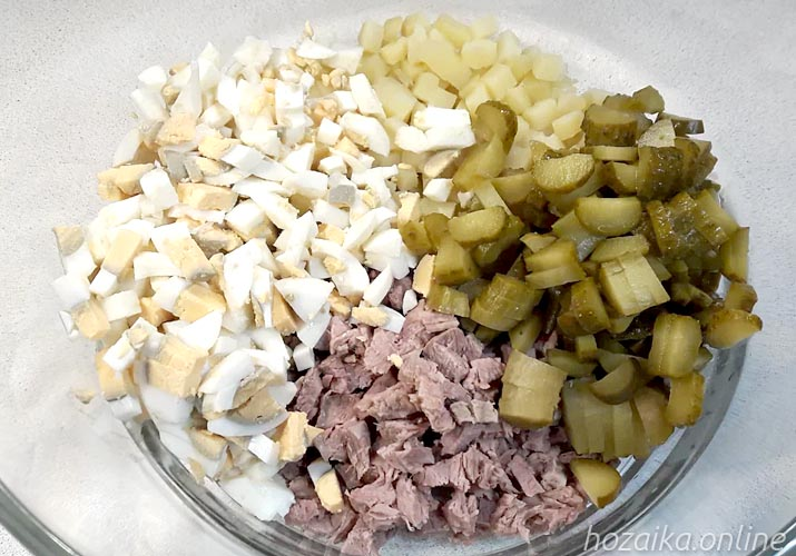 составляющие для салата Оливье с говядиной