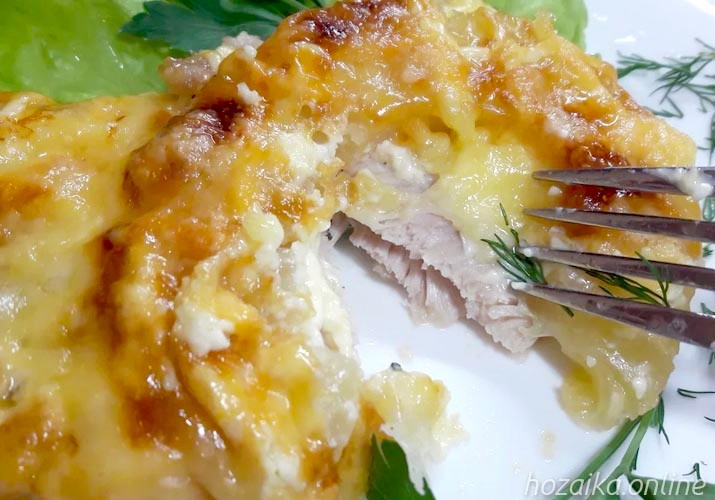 мясо по-французски из куриного филе с ананасом