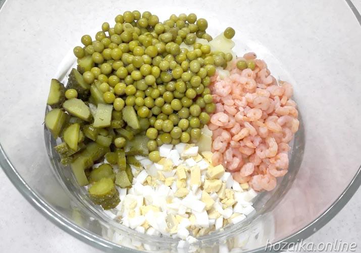 составляющие для салата оливье с икрой и креветками