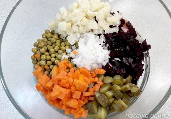 ингредиенты для винегрета со свежей капустой