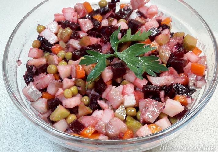 салат винегрет с селедкой классический