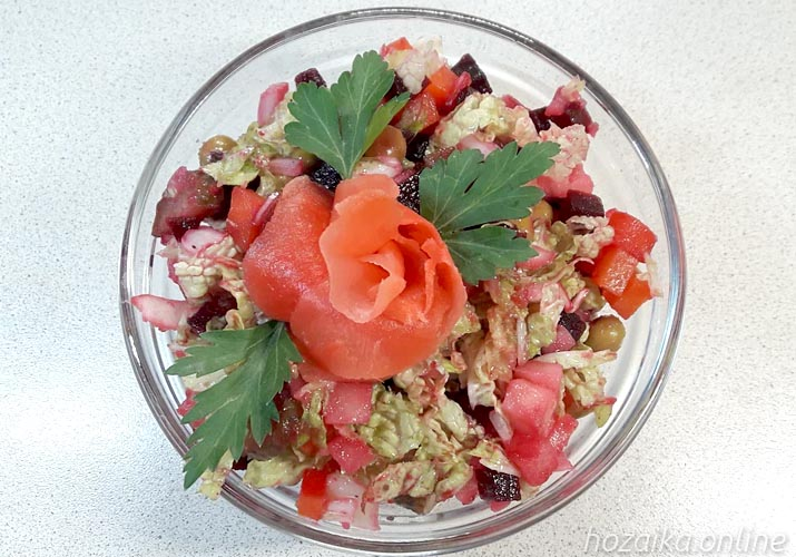 салат винегрет со свежей пекинской капустой подача и оформление