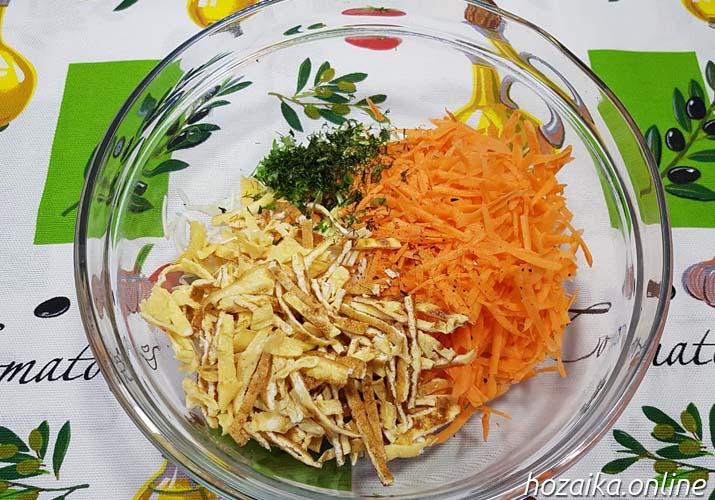 салатная смесь со свежей капустой