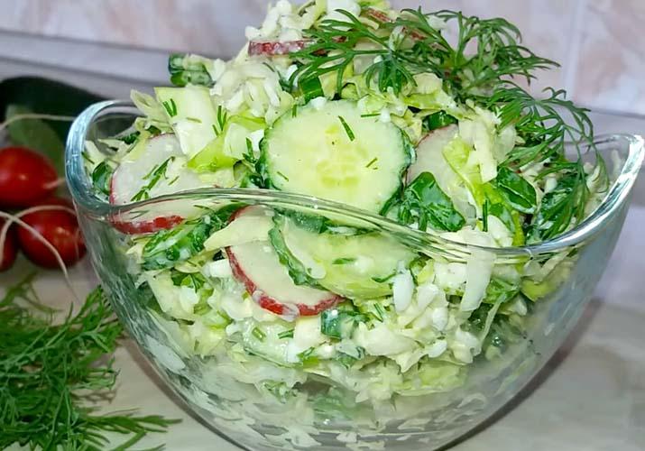 салат из капусты свежий