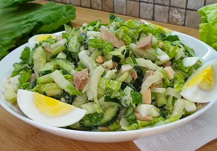 капустный салат с печенью трески