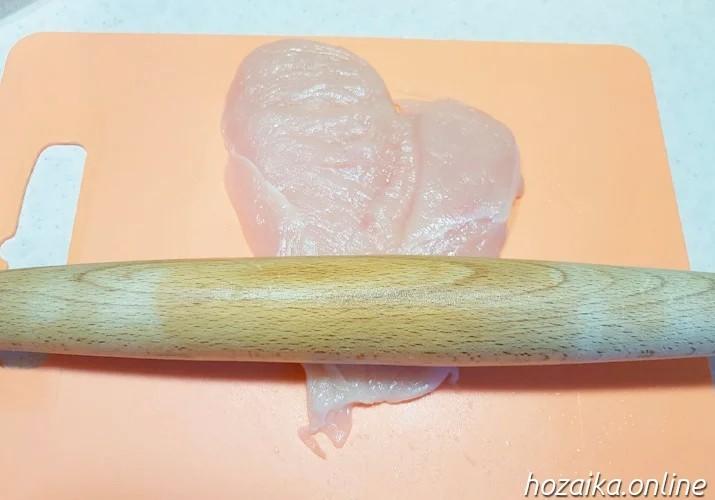 разрезанная куриная грудка