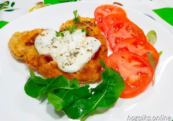 куриное филе в панировочных сухарях на сковороде