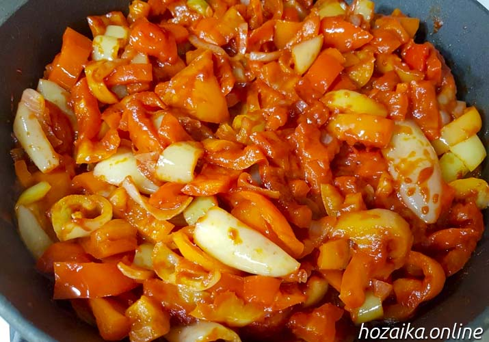 болгарский перец с томатной пастой